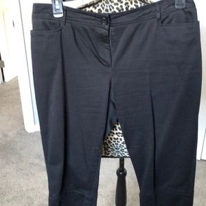 Tribal petites black capris with pockets